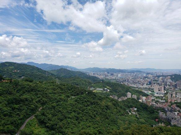 Taiwan Fun: 貓空纜車 MaoKong Gondola | Motherly Notes
